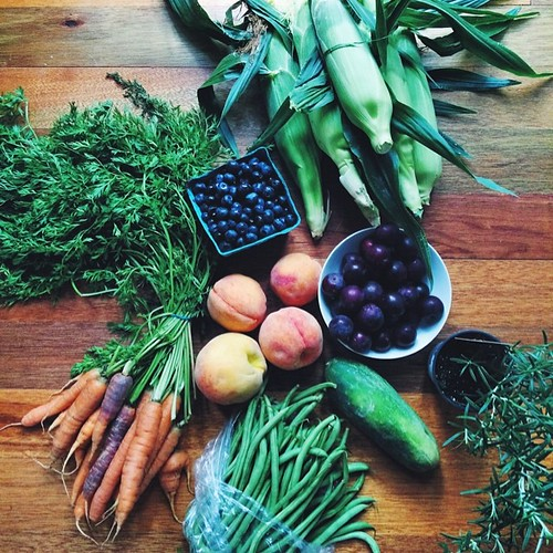 Saturday morning Farmers' Market + roadside farm stands = all the fruit and veggies.