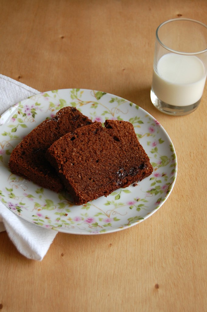 Chocolate rye cake / Bolo de chocolate e centeio
