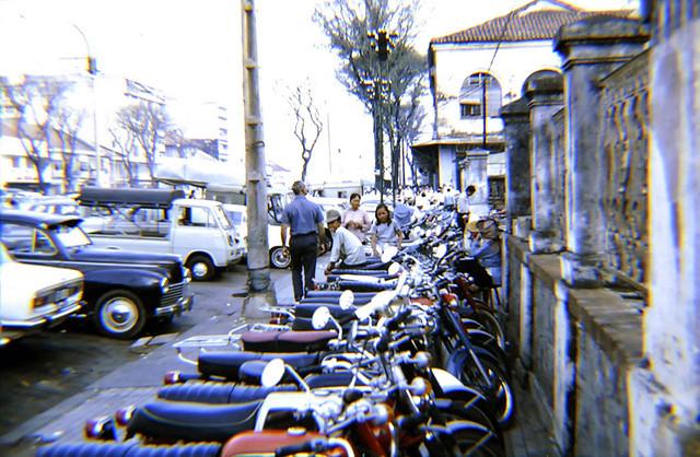 SAIGON 1969-70 - ĐL Nguyễn Huệ - Phía trước Tòa Hòa Giải
