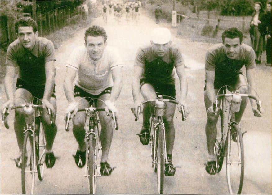 1949 - nazionale dilettanti - a partire da sinistra, Marcello  Ciolli campione d'Italia, Donato Zampini, Giovanni Meazzo, Gira Bernardini