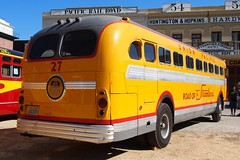 1949 GMC Model PDA-4101, Union Pacific Stage Lines Bus #27 5