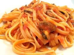 bucatini(0.0), spaghetti(0.0), macaroni(0.0), naporitan(0.0), penne alla vodka(0.0), produce(0.0), carbonara(0.0), bigoli(0.0), spaghetti alla puttanesca(1.0), pasta(1.0), spaghetti aglio e olio(1.0), pasta pomodoro(1.0), bolognese sauce(1.0), fettuccine(1.0), pici(1.0), food(1.0), dish(1.0), cuisine(1.0),