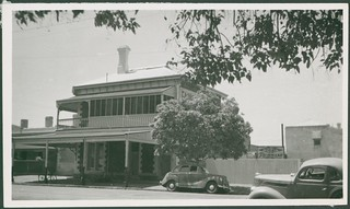 Wellington Hotel, Wellington Square, North Adelaide, 1954