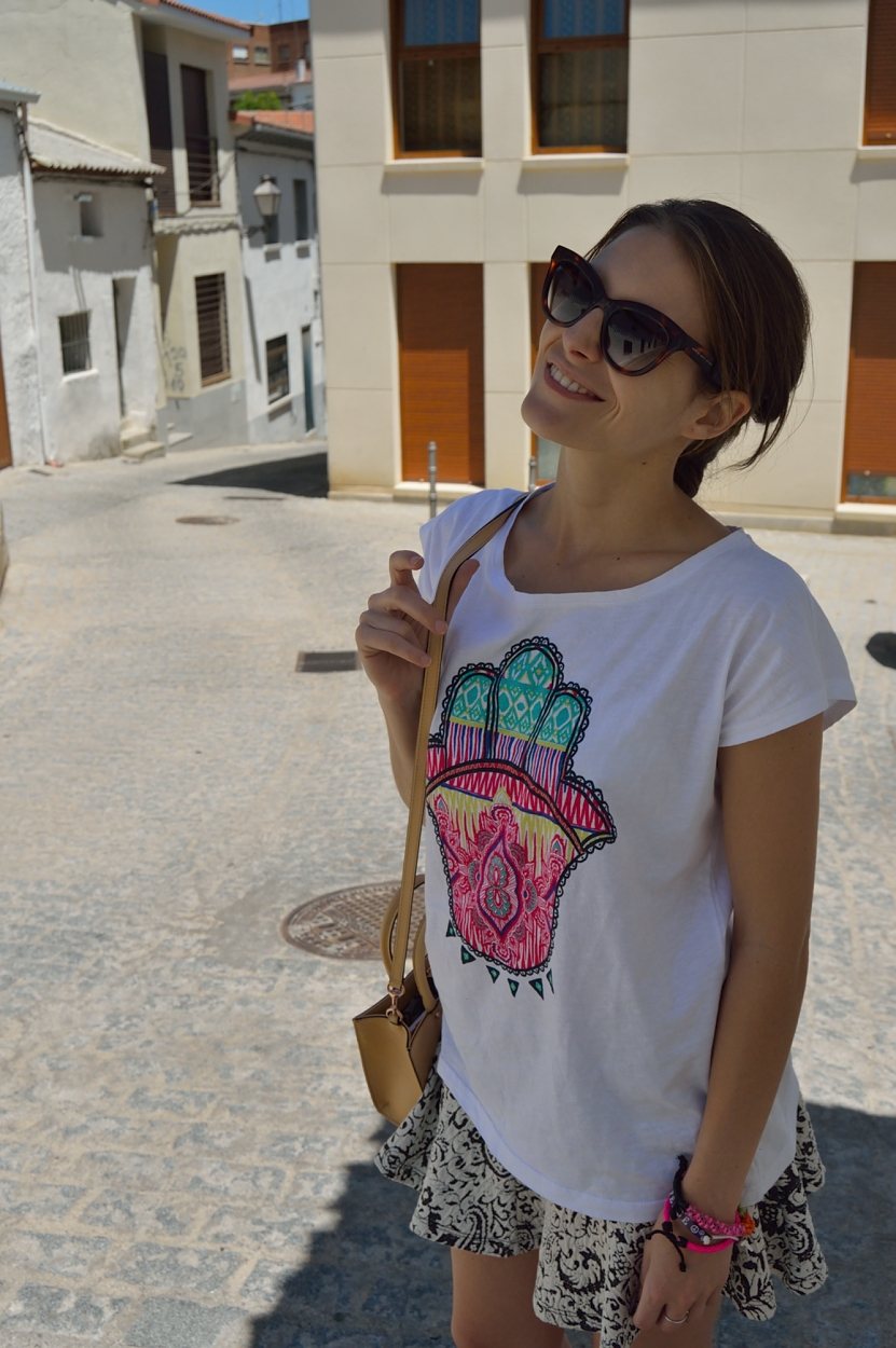 lara-vazquez-madlula-blog-style-fashion-look-tee