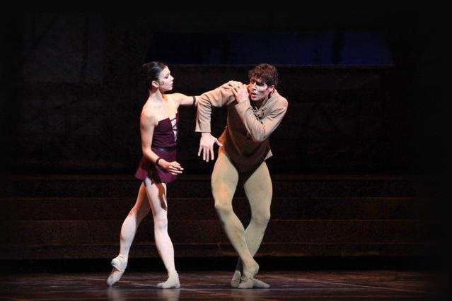 Natalia Osipova and Roberto Bolle in La Scala Theatre Ballet's Notre-Dame de Paris © Rudy Amisano, 2013