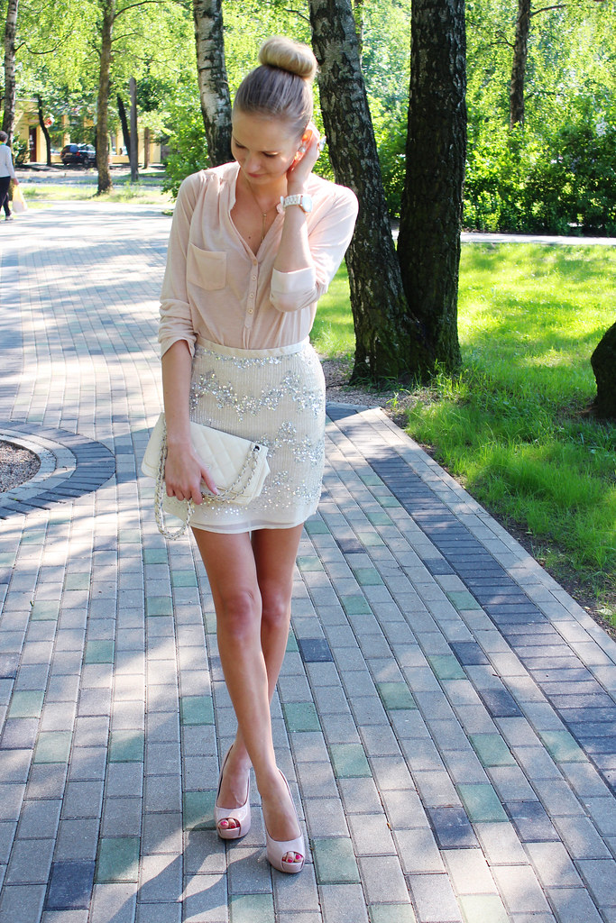 all-sequin-skirt-outfit