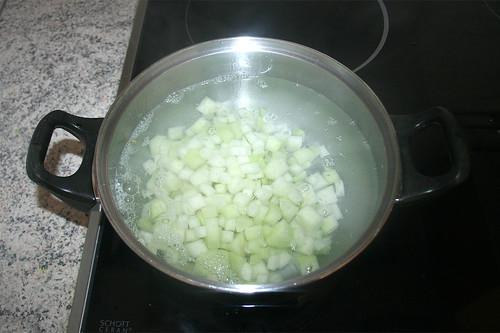 14 - Kohlrabi blanchieren / Parboil kohlrabi