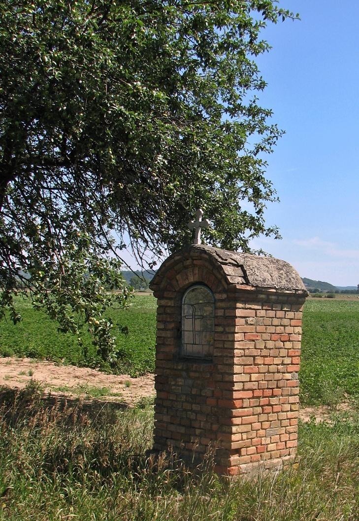 Kaplnka pri ceste do Chrastiniec