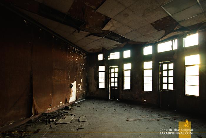 Manila Metropolitan Theater Disrepair