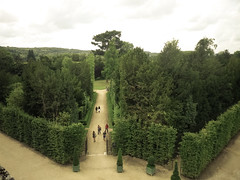 Paths through the Versailles gardens