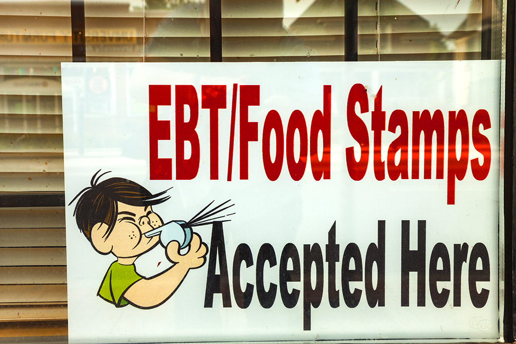 Food-Stamps-Accepted-Here-in-7-14--St-Paul