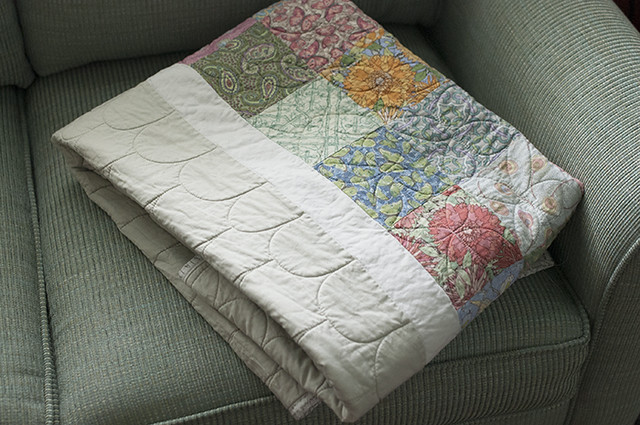 Clamshell and Dogwood Quilting folded