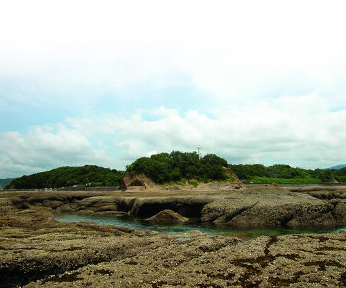 礁岩地區內的丸山(溫于璇攝)