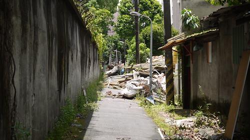 受保護的北圍牆緊鄰拆除工程,卻不見任何保護措施