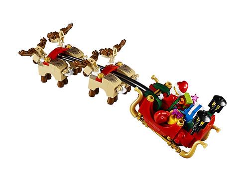 LEGO 10245 Santa's Workshop 05