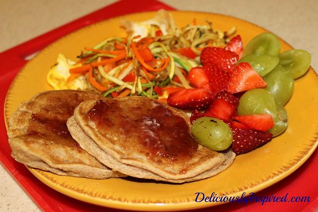 Pancakes, Egg w Veg Hash, Fruit