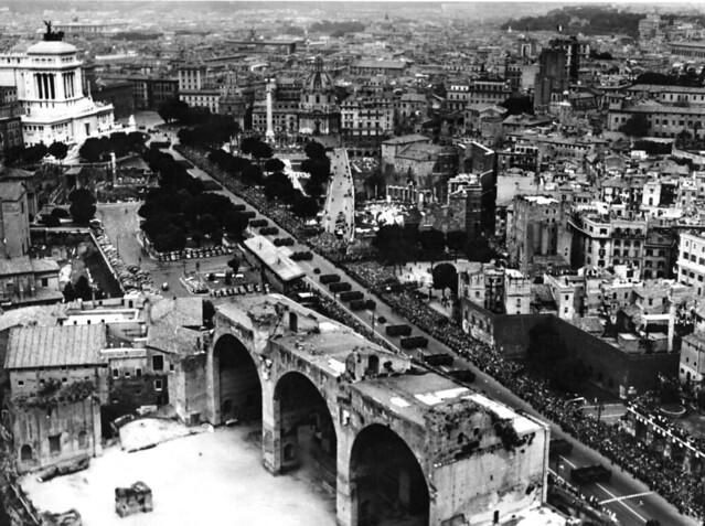 ROMA ARCHEOLOGIA & ARCHITETTURA: Roma, Centro Storico & I Fori Imperiali & Via dei Fori Imperiali (c. 1955-65?).