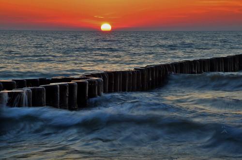 sunset nikon wasser sonnenuntergang sommer balticsea ostsee welle ahrenshoop darss fischland mecklenburgvorpommern buhne dars
