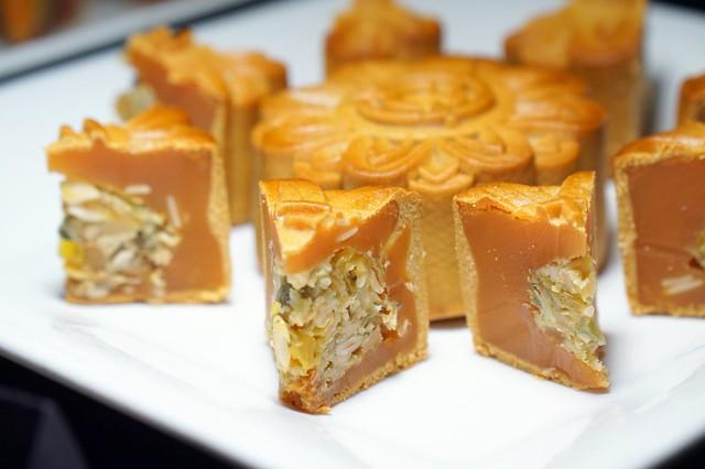 mooncakes 2014 - tai thong durian mooncakes-006