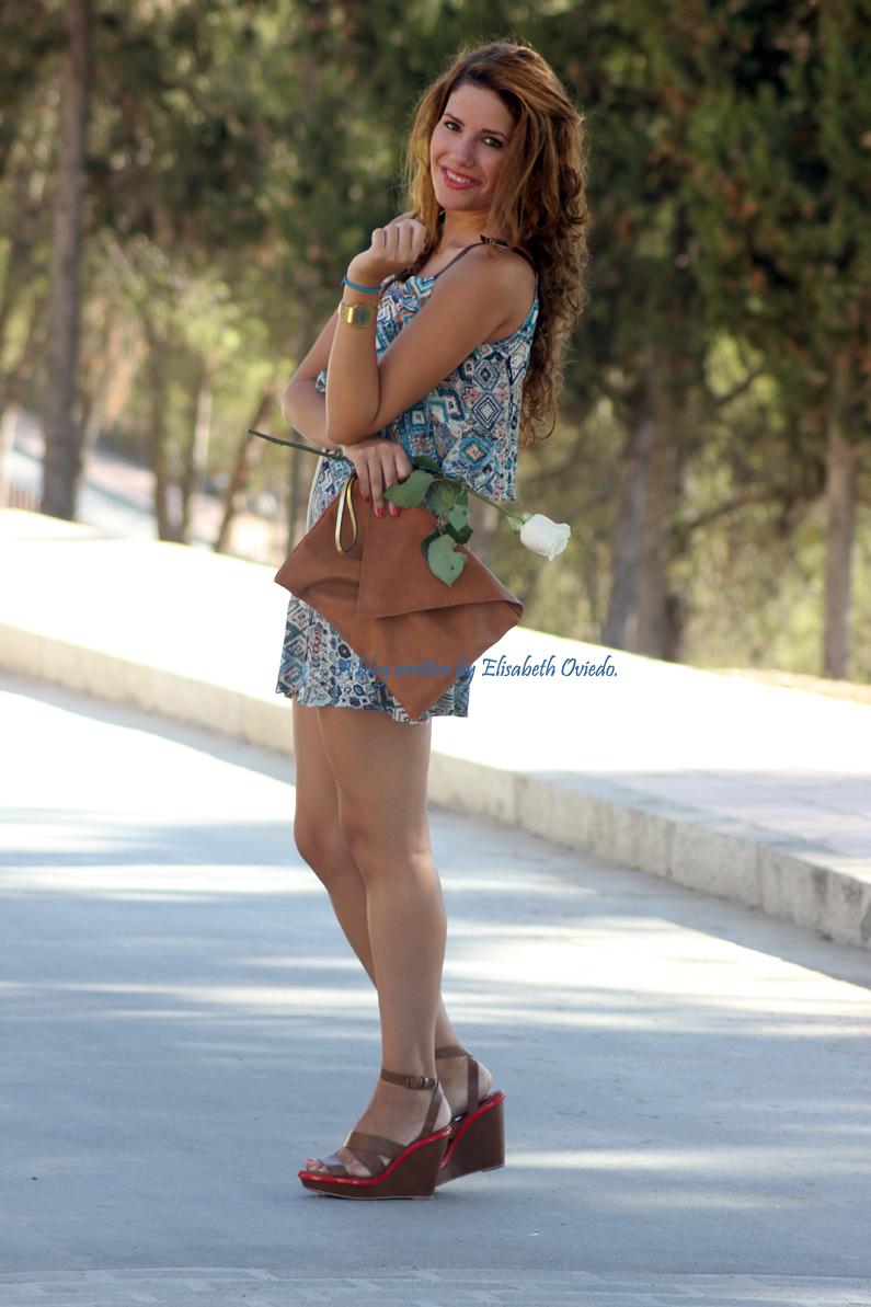 vestido-étnico-oasap-y-cuñas-marrones-zara-HEELSANDROSES-(8)