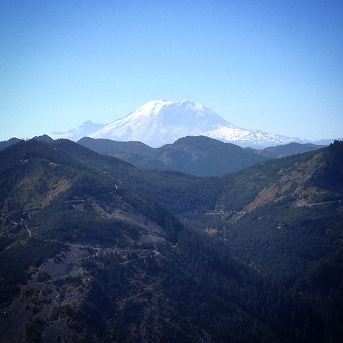 Mt Rainier from Mt Bandera