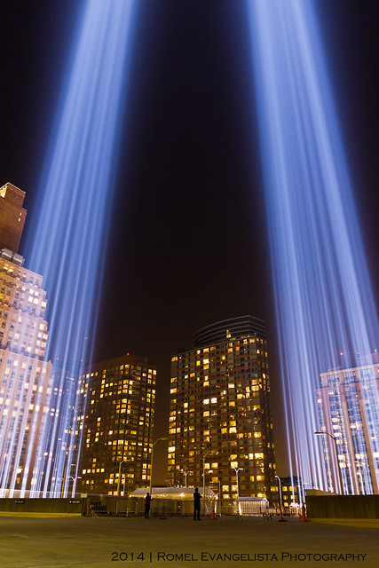 2014_Tribute_In_Light-7490