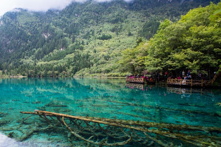 Jiuzhaigou – One of the World's Most Beautiful Lakes