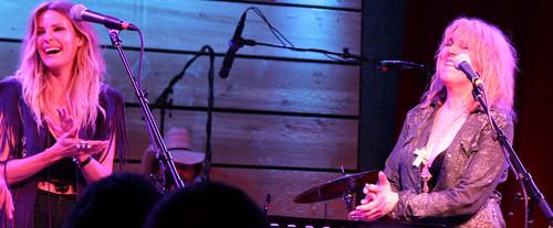 Elizabeth Cook, Lucinda Williams night show laugh