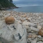 Streetart en la playa!! #beachart #streetart Playa Merón #Asturias #AsuetoTime