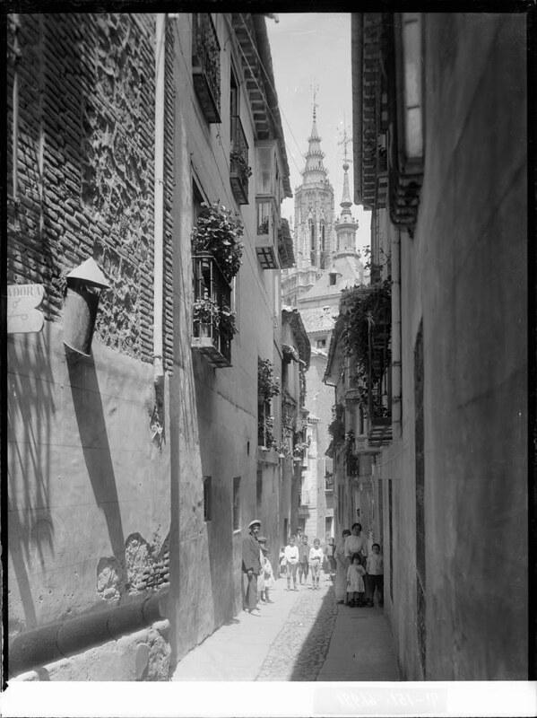 Calle de San Marcos a comienzos del siglo XX. Fotografía de J. Lacoste © MECD, Fototeca del IPCE, signatura VN-22664_P
