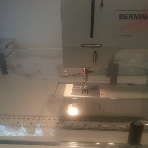 Trying to make fmq work with my mums old bernina. #imissmymachine #todolistssuck