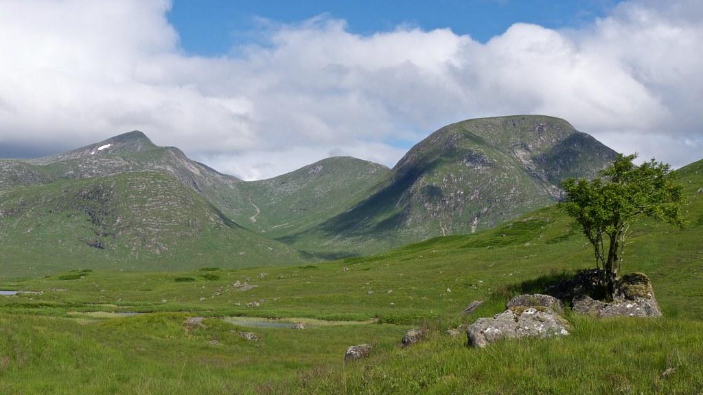 The hills around Coire Chaorach