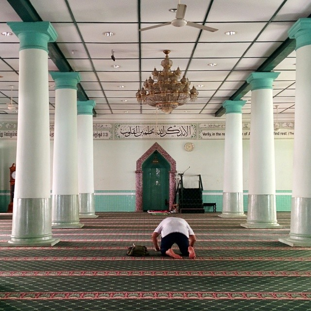 Praying at the oldest mosque in #Singapore