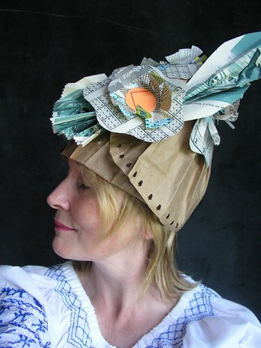 paper-hat-Sustainable-Cloche