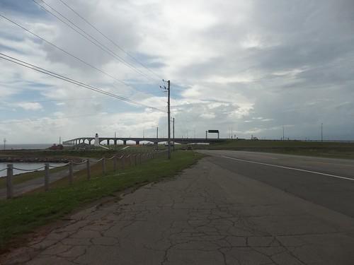 Looking at the Confederation Bridge (7)