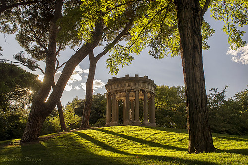 madrid park parque sunset atardecer temple arquitectura bacchus baco mythology templo arquitecture omd capricho mitología mitologia em5 carlostorija