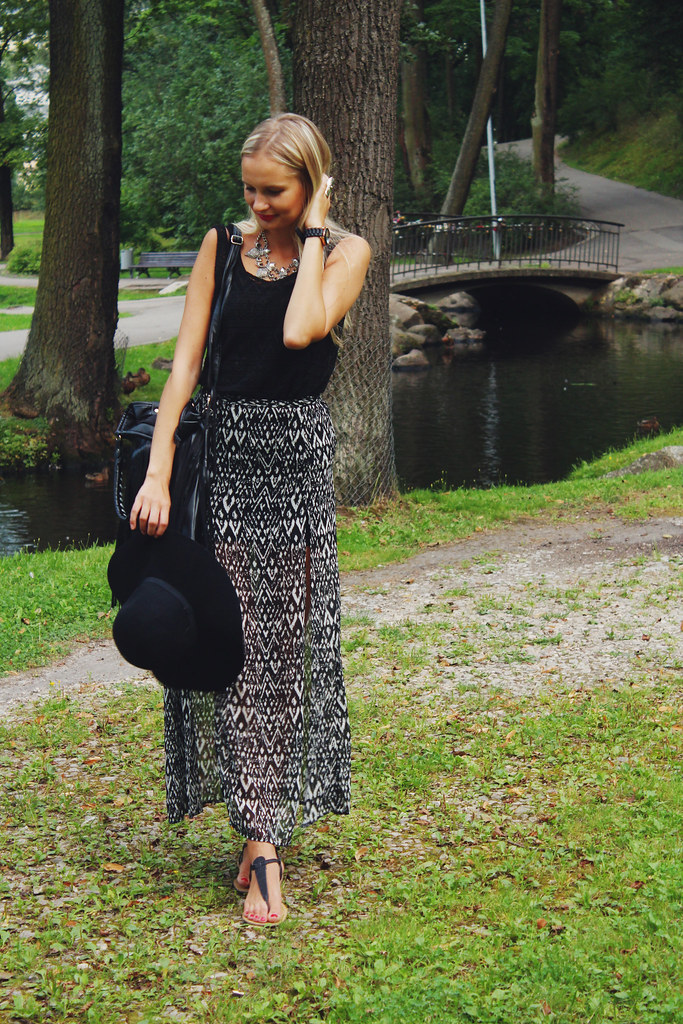 black-outfit-inspiration-in-summer