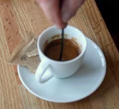 caf㩠au lait(0.0), food(0.0), caff㨠macchiato(0.0), espresso(1.0), cappuccino(1.0), cup(1.0), coffee milk(1.0), coffee(1.0), ristretto(1.0), coffee cup(1.0), turkish coffee(1.0), caff㨠americano(1.0), drink(1.0), latte(1.0), caffeine(1.0),