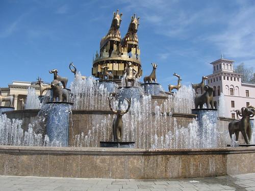 фонтан в центрі Кутаїсі