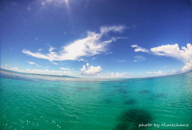 海の色は残念ながらのみどりぃ。。