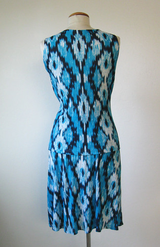 McCalls 6513 Ikat knit outfit back view on form