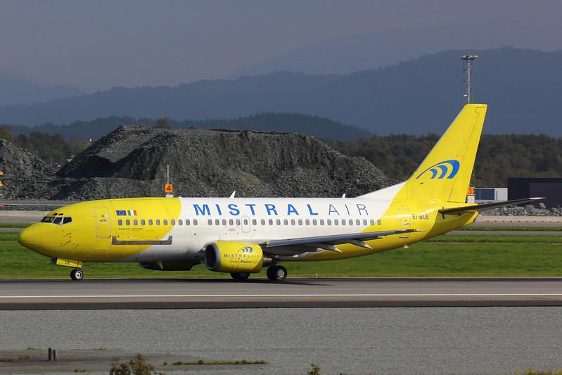 Mistral Air - B733 - EI-BUE (2)