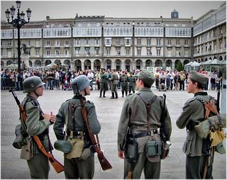 5420-Recreacion militar en la Plaza de Maria Pita en A Coruña