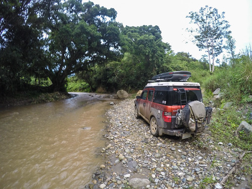 4x4 honda andes camping ecamper ecuador element hondaelement mountains nomadistan offroad river travelfar loja