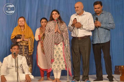 Devotional song by Holy Sister Sudiksha Ji and Saathi