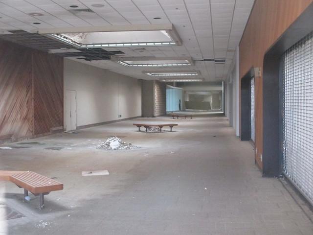 White Lakes Mall Topeka,KS