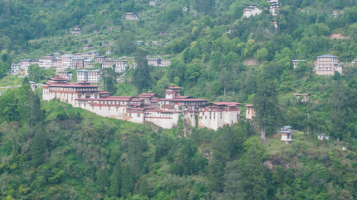 Trongsa Dzong from viewpoint outside Trongsa