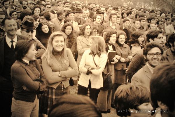 10 - 25 апреля 1974 года - революция гвоздик в Португалии - Каштелу Бранку