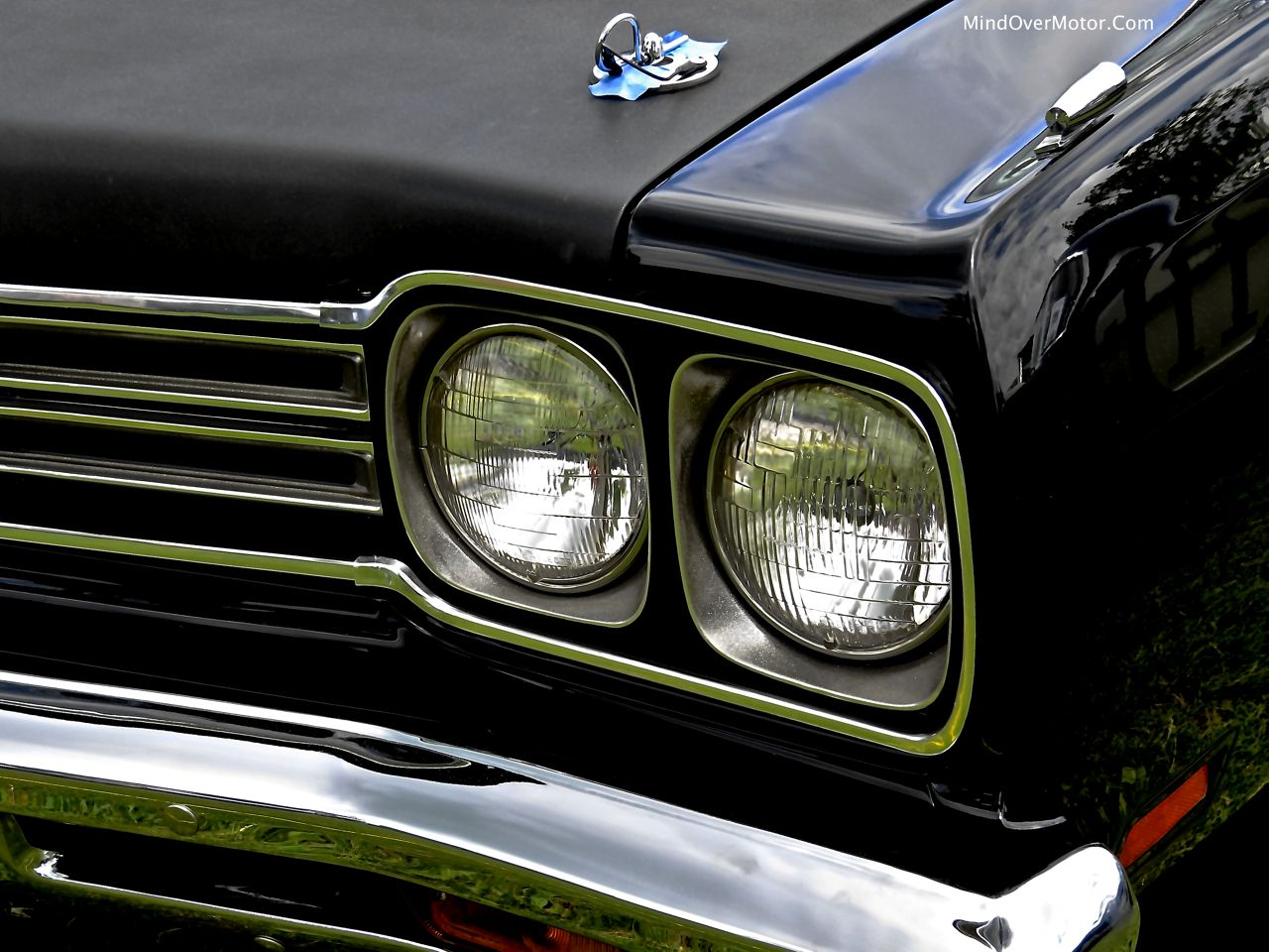 1969 Plymouth Road Runner 440+6 Headlights