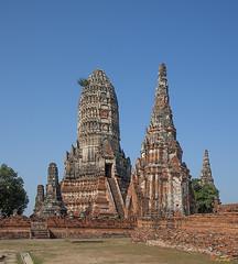 Wat Chaiwatthanaram Central Prang and Side Chedi (DTHA0183) วัดไชยวัฒนาราม ปรางค์ใหญ่กลาง และ เจดีย์ด้าน